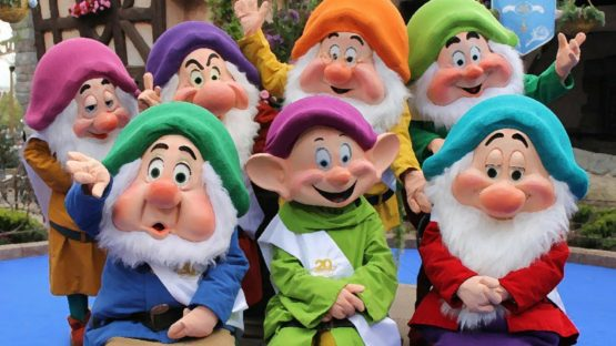 artistic picture of the seven dwarves